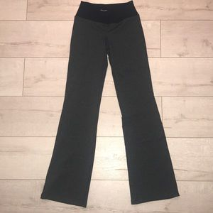 Beyond yoga Grey black legging like new XXS flare